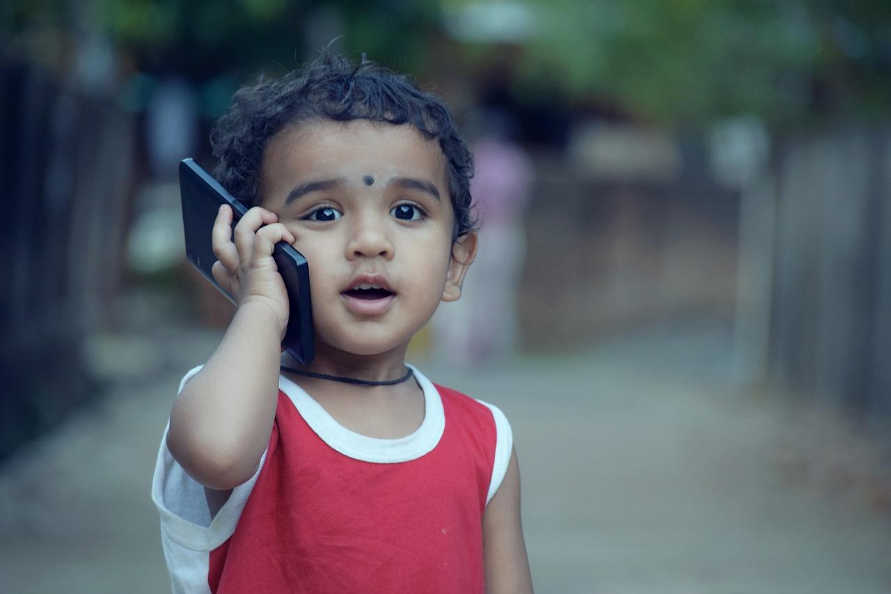 LINEモバイルは子供|スマホを契約する際の注意点について